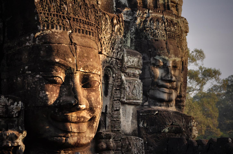 De vele gezichten van de Bayon Zonsopgang aan de mooiste tempel van Angkor  Kriski Plus