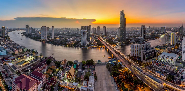 Cocktails with a view Sunset aperitief met zicht op Bangkok Kriski Plus