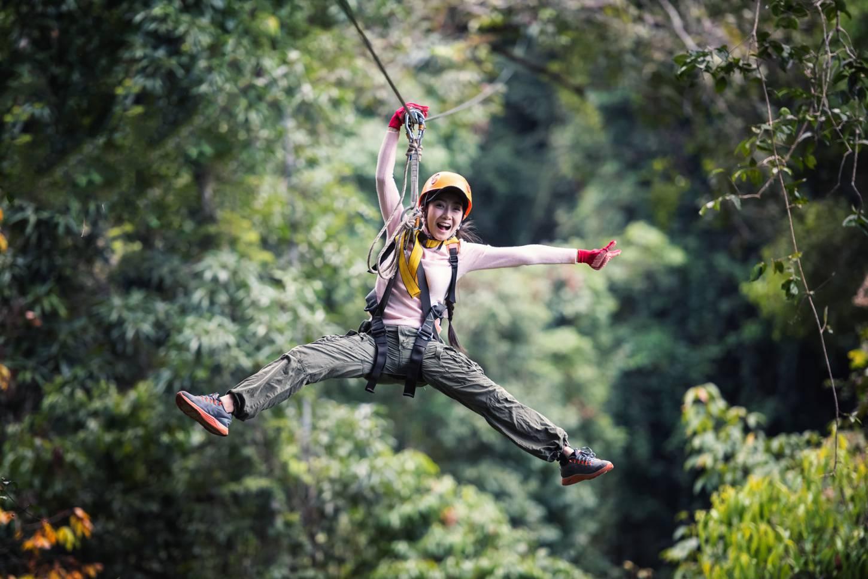 Vlieg door de jungle in Laos Met de zipline van berg tot berg Kriski Plus