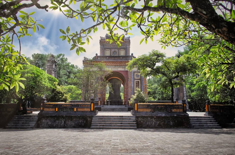 Beleef het antieke Hué De Keizerlijke Stad aan de Parfumrivier Kriski Plus