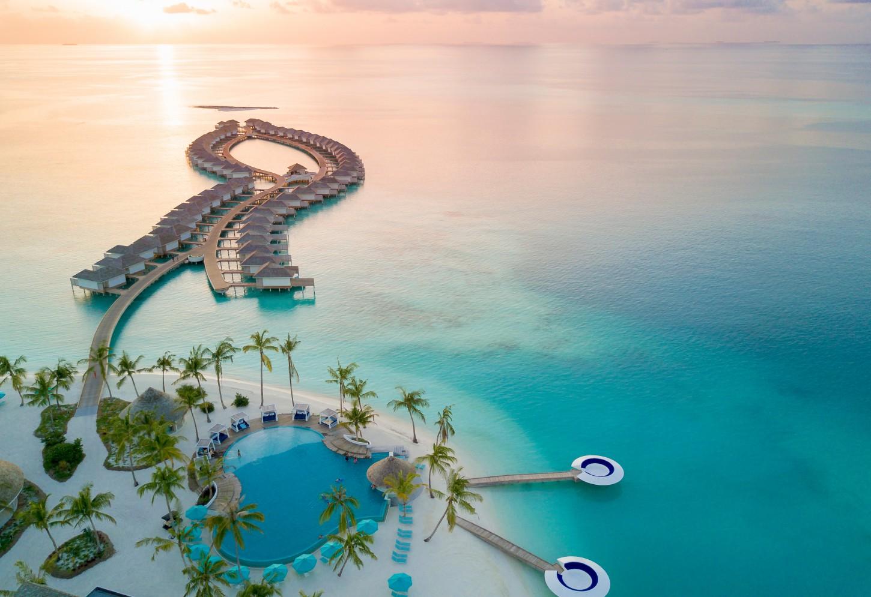 Waterpret in het grootste zwembad van de Malediven Kriski