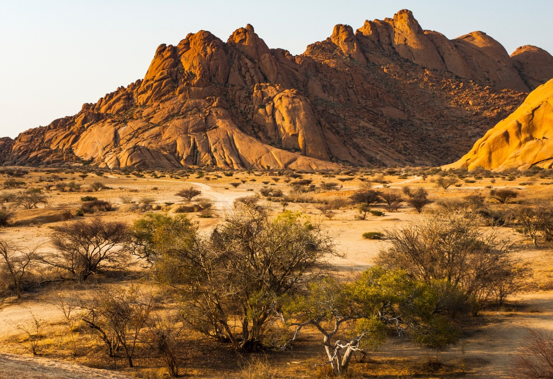 De unieke rotsformaties van Damaraland Kriski Plus