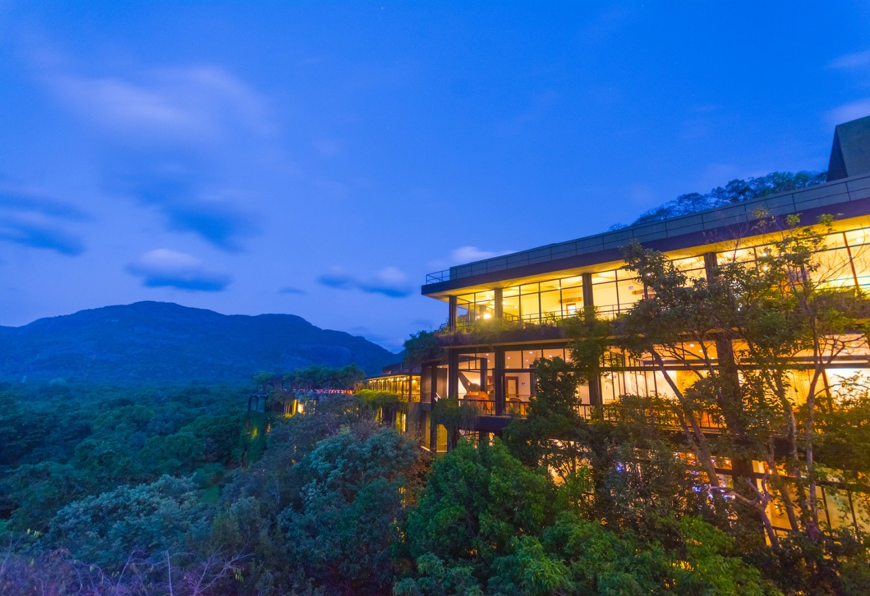 Top architectuur opgeslorpt door de jungle Kriski Plus