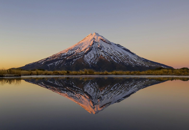 Het spiegelmeer van de Pouakai Crossing  Kriski Plus