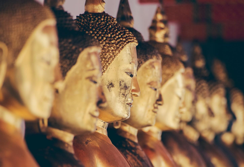 Boeddhabeelden tellen in Bangkok Kriski Plus