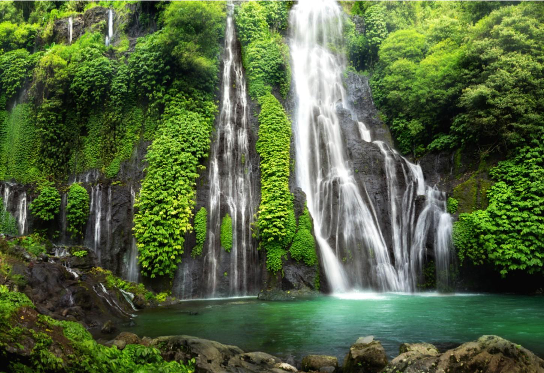 De watervallen van Munduk Kriski Plus