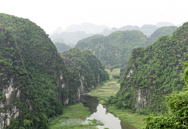 Het indrukwekkende karstgebergte van Ninh Binh Kriski Plus