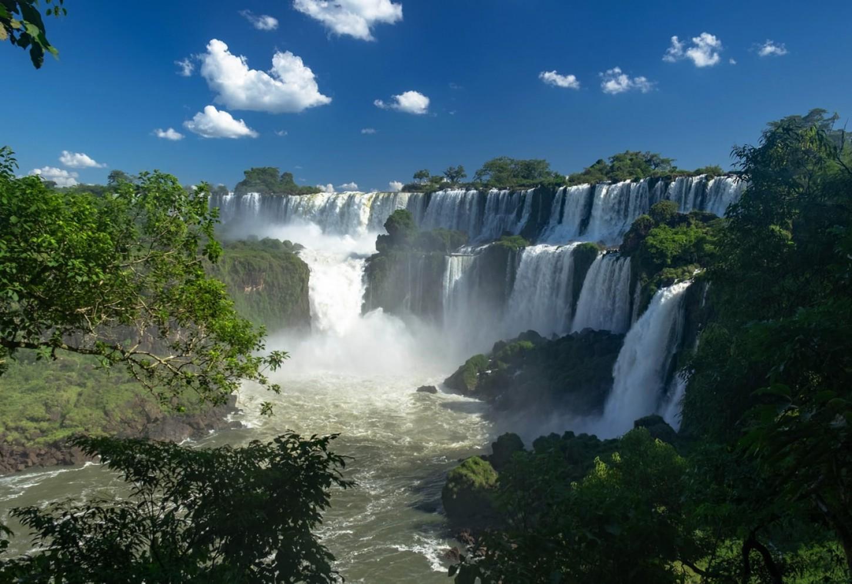 De overdonderende Iguazu watervallen Kriski Plus